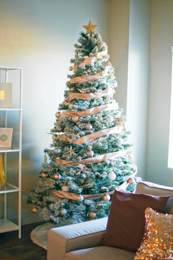 Get Gorgeous Glam Christmas Decorations on a Budget – on