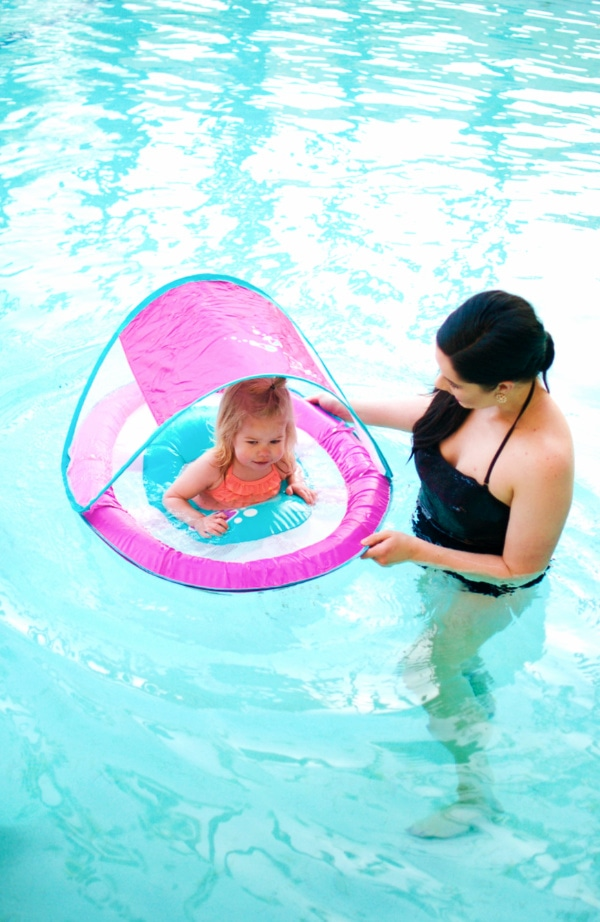 Lifestyle and motherhood blogger Jessica Ashcroft shares pool safety tips for your next family vacation!