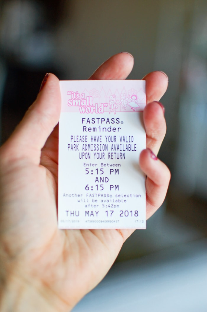 How to use the Disneyland fastpass app with your ticket