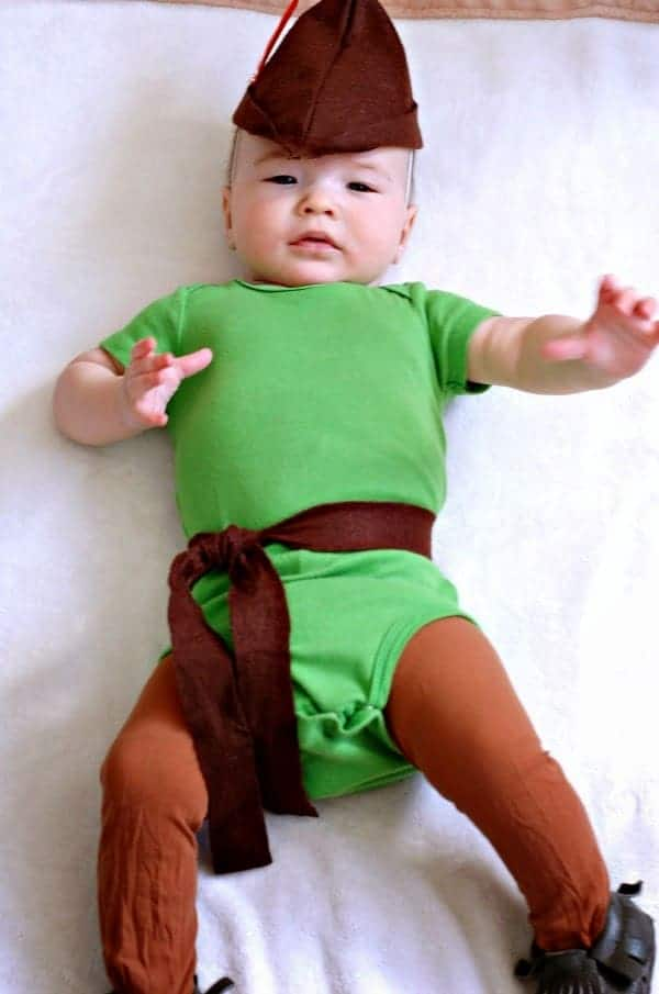 Motherhood and lifestyle blogger Jessica from Love Love Love shows you how to make a DIY baby Robin Hood costume! Happy Halloween!