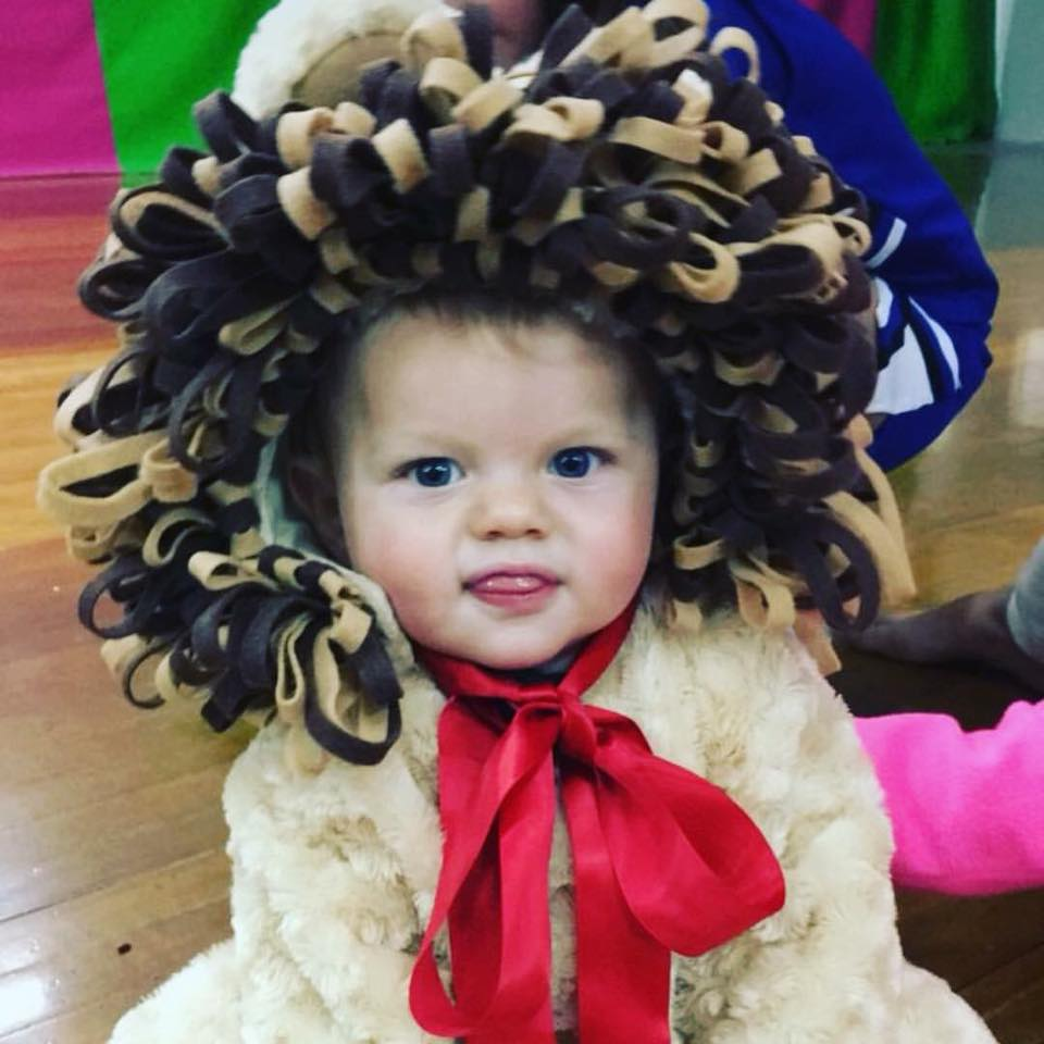 Cowardly lion baby Halloween costume.