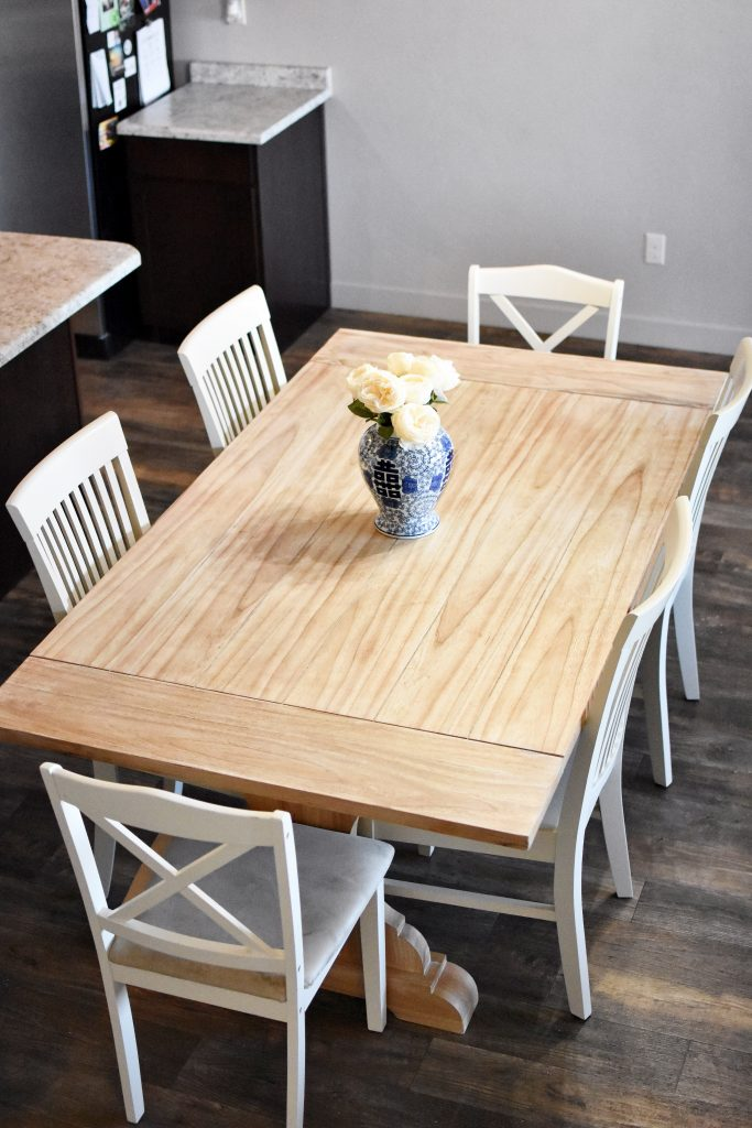 The refinished dining table! Check out my beginner's guide to refinishing a table for more tips!