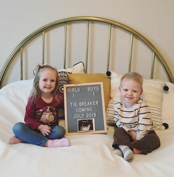 Tiebreak sibling baby announcement idea