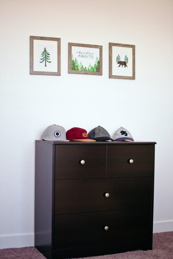 Forest prints are a great modern home decor idea for a boys bedroom.