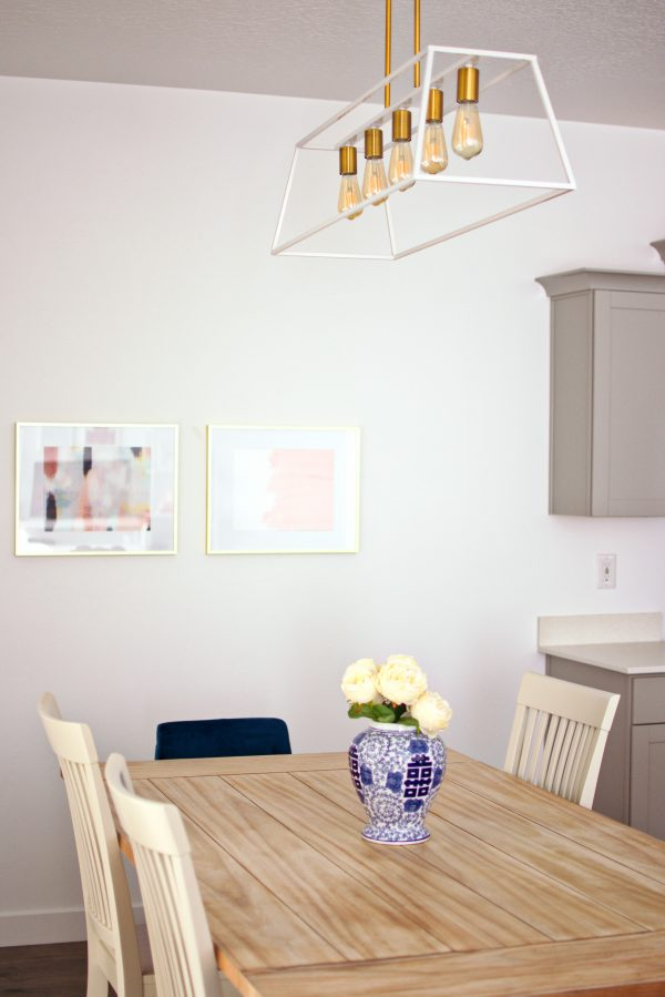 Kitchen table decor ideas with a pendant light.