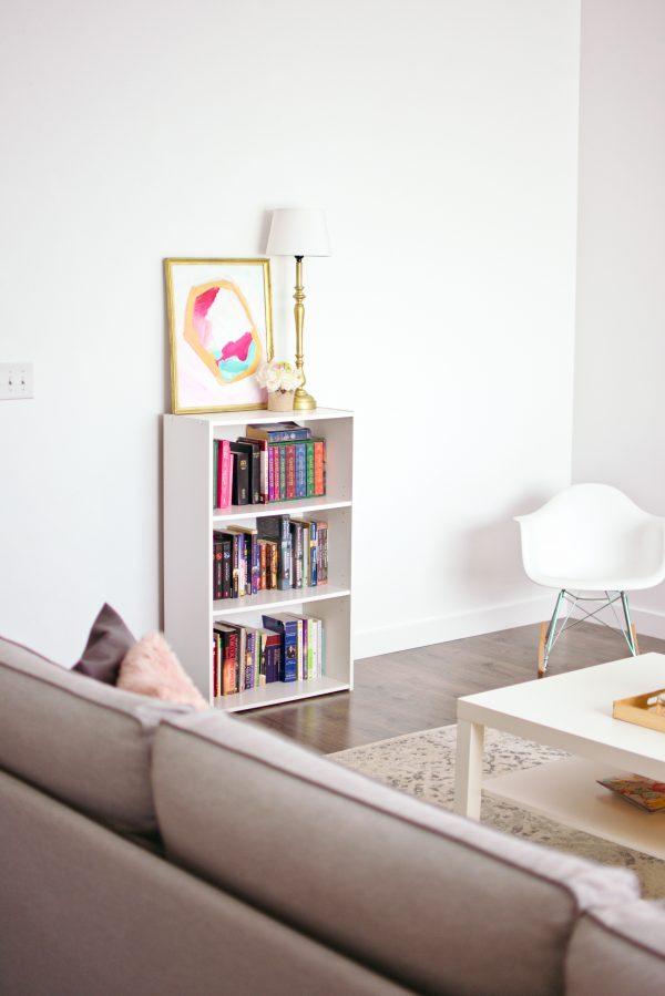 Living room decor ideas for your feminine style.