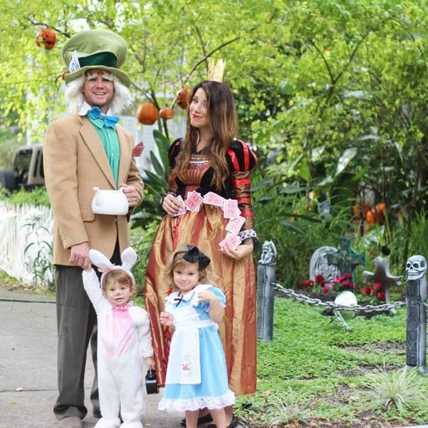Alice in Wonderland family outfits.