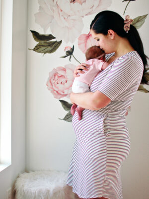Mom uses newborn sleep tips to help her baby sleep.