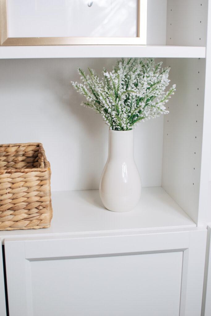 Bookshelf decor accessories